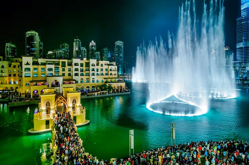Dubai Fountain am Abend